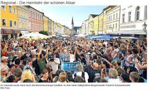 Umjubelte Alisar Ailabouni am Stadtfest in Mattighofen (© OON, Fesl)